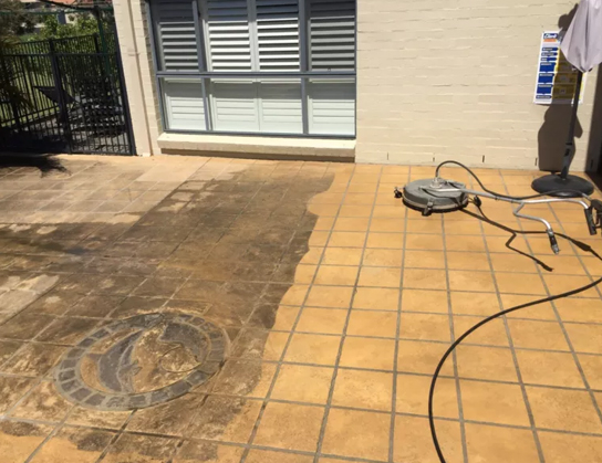 Tiles cleaned through H2O pressure cleaning service